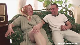 70 yo nympho Tamara seduces young man and gets her pussy slammed