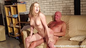Massage makes Danielle Soul horny for his dick coupled with she gets fucked